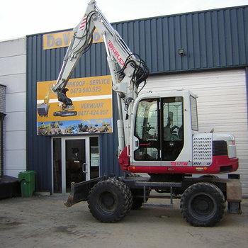 graafmachine op banden / mobile excavator